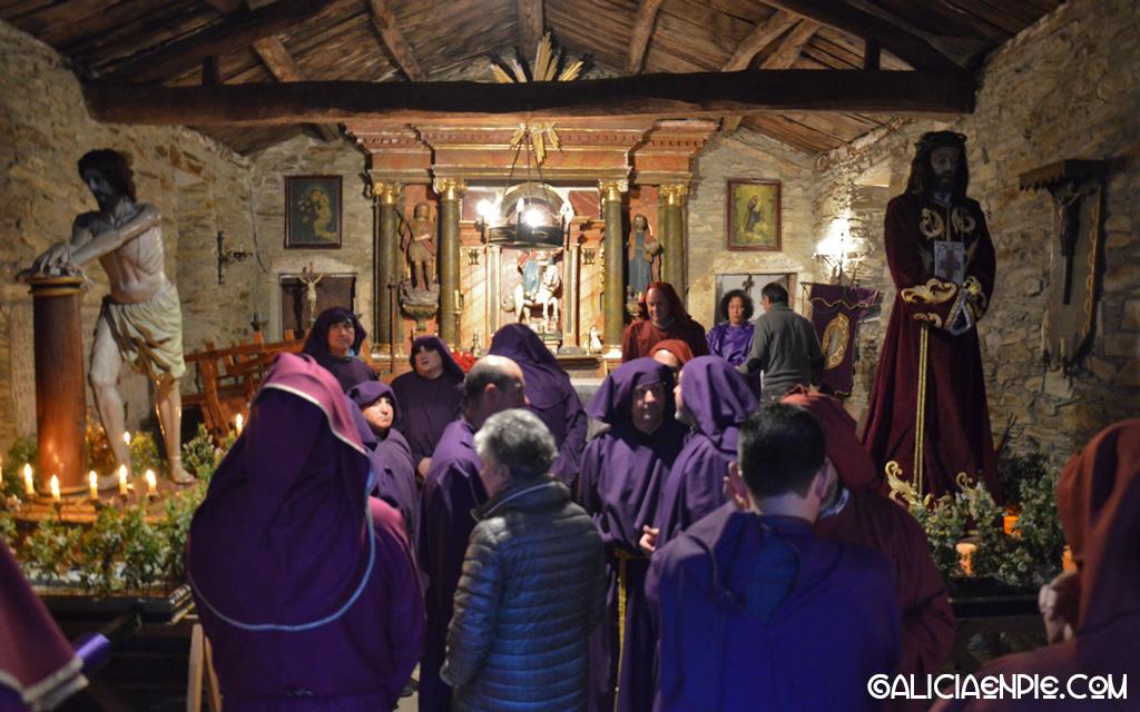 Capilla de Santiago, en Os muiños. Procesión do Prendemento. Semana Santa en Mondoñedo.